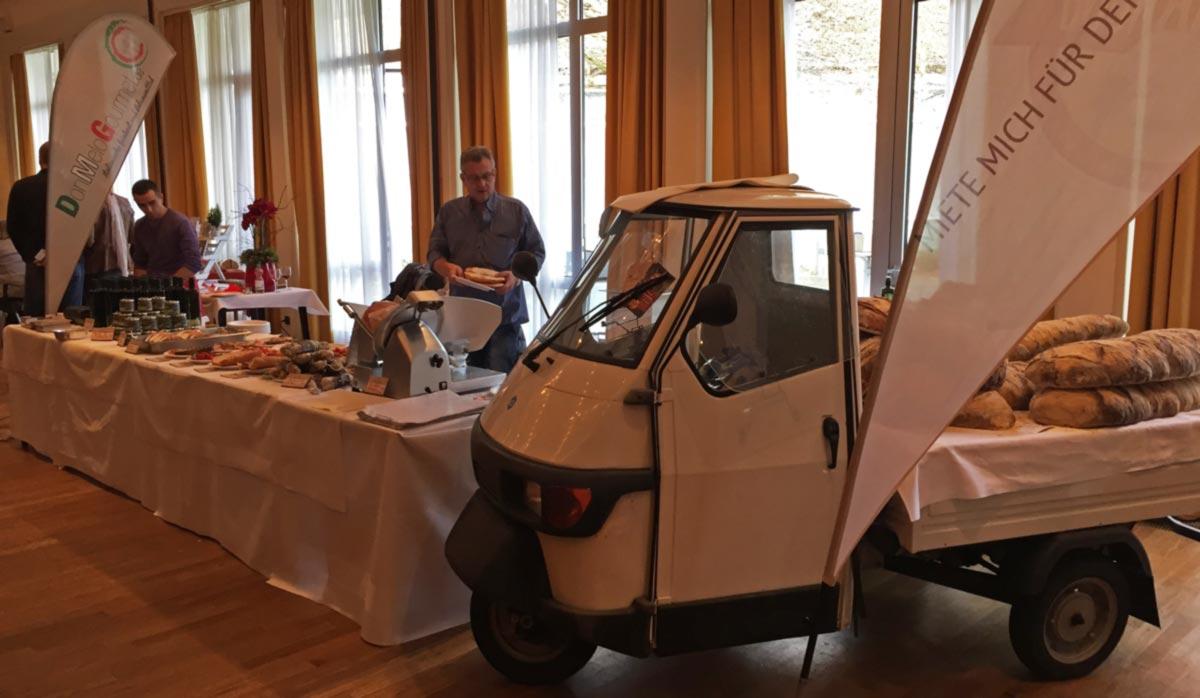 Catering-Ape  bei der Genuss-Pur in Bonn